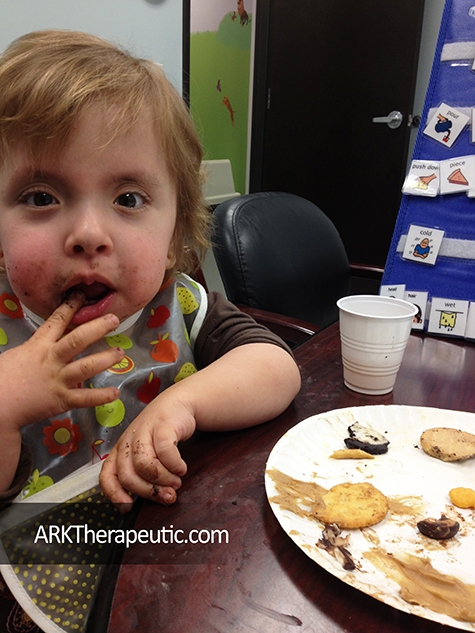 feeding-therapy-get-messy-tip-ark-1